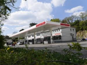 Dreizehnter GmbH - Tankstelle, Waschanlagen, Anhänger